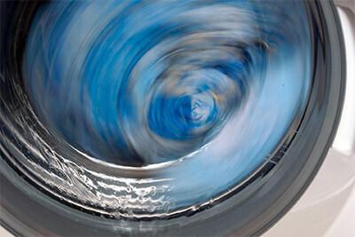 Wie pflegt und reinigt man die Waschmaschine?