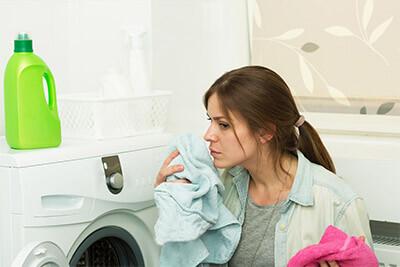 Was kann gegen schlechten Geruch in der Waschmaschine getan werden?